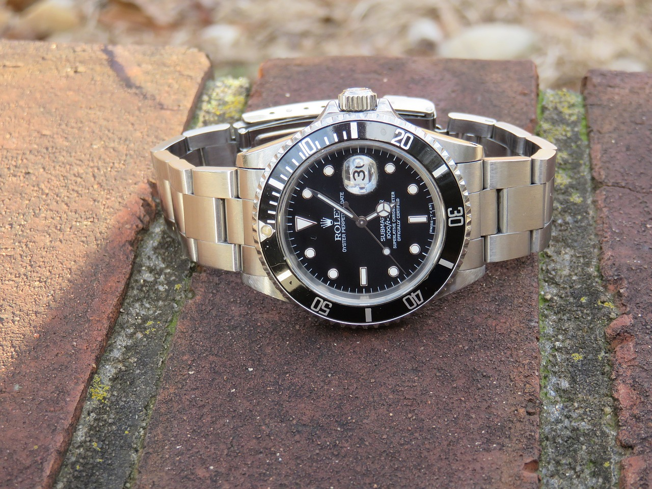 Ako sa vyrábajú luxusné hodinky ROLEX Submariner 4a2a9a64ac2