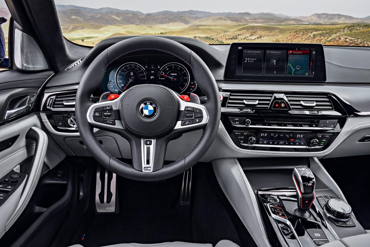 interier BMW M5 2017