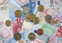 Slováci sa najviac zadlžujú v bankovom sektore
