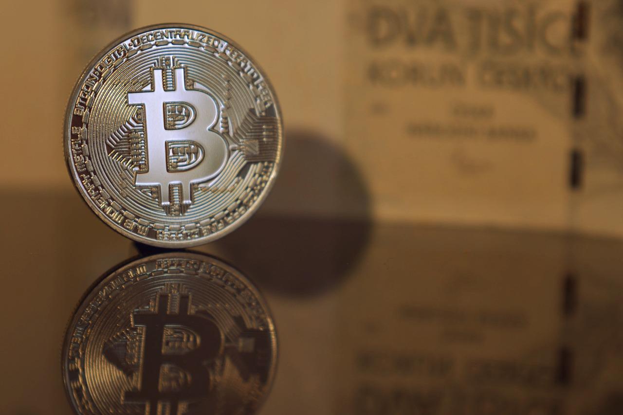De ce prăbuşirea suferită de Bitcoin reprezintă o victorie majoră pentru criptomonede - skymetin2.ro
