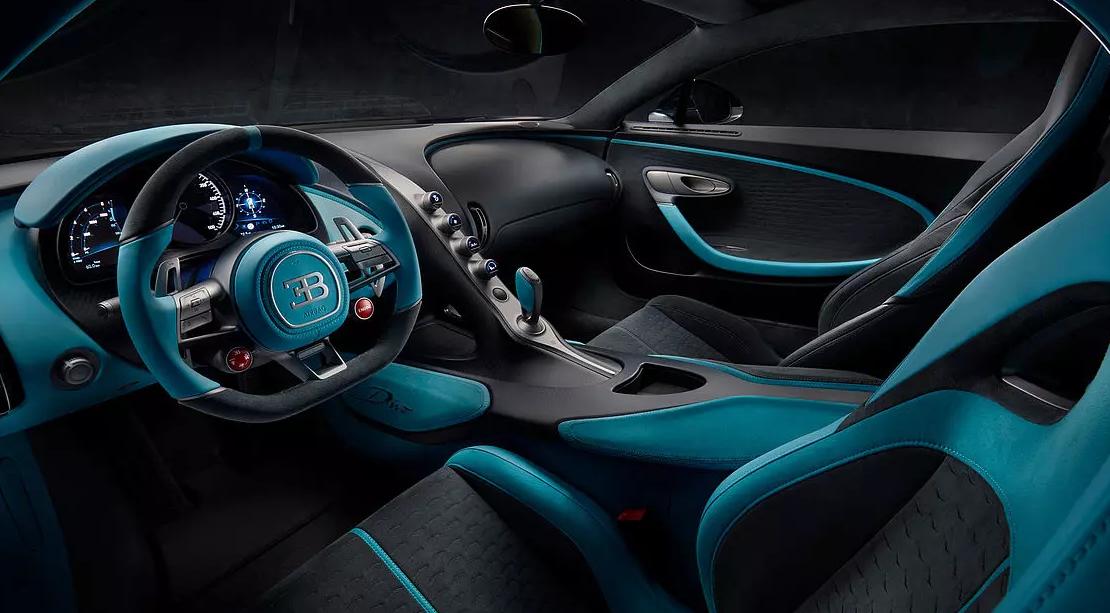 ako vyzerá Bugatti Divo z vnútra
