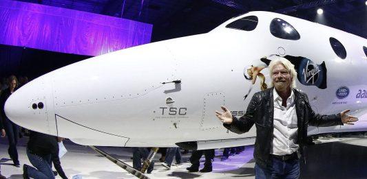 Miliardár Richard Branson chce letieť do vesmíru už tento rok