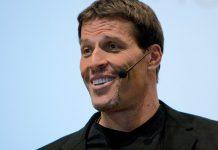 Tony Robbins a jeho rady ako bojovať s negativitou