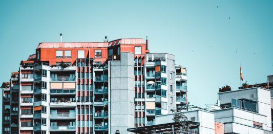 Rast ceny nehnuteľnosti či príjem z nájmu? Na čo sa oplatí zamerať viac