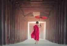 Čo je podľa Budhizmu najčastejšia príčina utrpenia a ako ju prekonať?