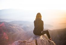 Strach, negatívne a obmedzujúce predstavy. Ako sa ich zbaviť? V článku nájdete 5 tipov na odstránenie negatívnych myšlienok z hlavy.